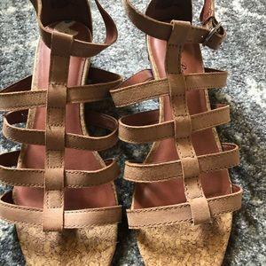 Lucky Brand tan sandals 7.5